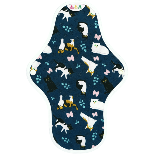 Medium cloth pad with cats on pattern
