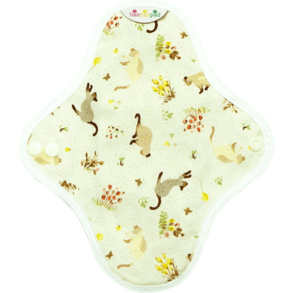 Cloth pad with cats on the pattern